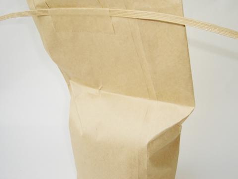 空気を抜いた米袋